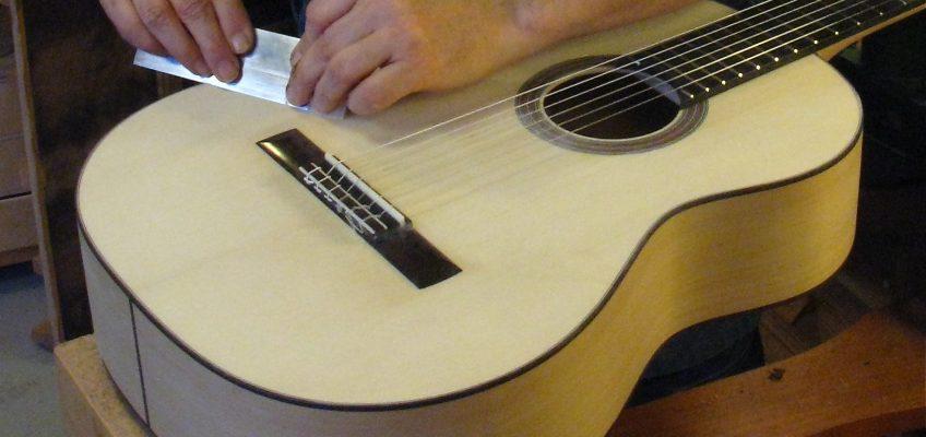 Om att stämma gitarren rätt